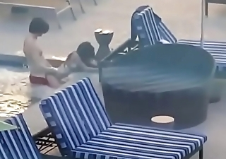 amatuer couple has sex in pen up pool @ vacation