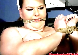 Heavy sub babe pounded surrounding threeway