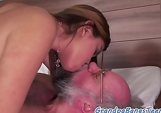 Dickloving spoil gets screwed by grandpa