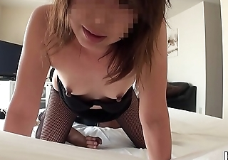 Amateur wed whose husband is on a business trip 06