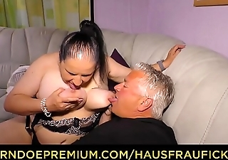 HAUSFRAU FICKEN - Tattooed German housewife gets cum on heart of hearts in dirty amateur fuck