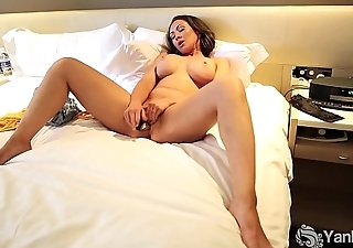Yanks Chesty Yasmin Masturbating