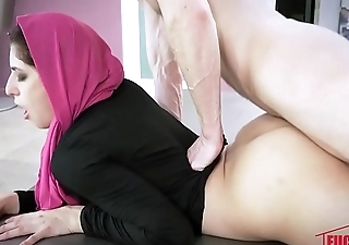 Nikki Chivalrous In Horny Hijab Girl Unveils Her Asshole