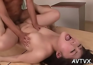Demure asian amazes chap with sexual cowgirl riding