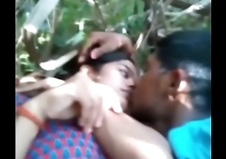 Desi girl sex up bf outdore